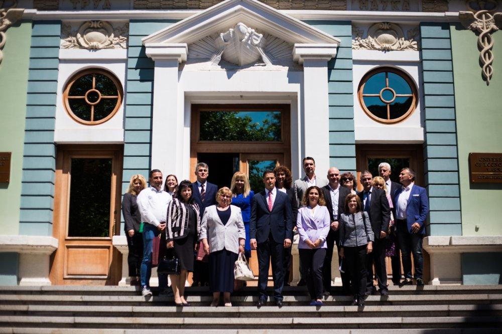 Консорциум за развитие на икономиката и организацията на туризма бе учреден в ИУ – Варна