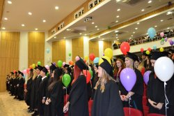 Тържествено се дипломираха абсолвентите от ИУ – Варна