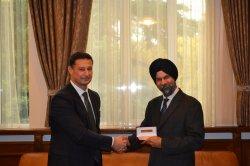 ИУ – Варна задълбочава партньорството си с UBS – Mumbai