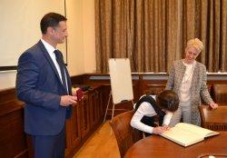 Посланикът на Великобритания Н. Пр. Ема Хопкинс посети ИУ – Варна