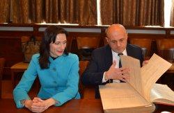 Еврокомисар Мария Габриел и вицепремиерът Томислав Дончев в ИУ – Варна
