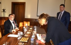 Посланикът на Франция Н.Пр. Флоранс Робин посети ИУ – Варна