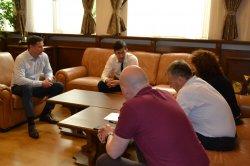 Икономически университет – Варна осигури уеб камери за нуждаещи се студенти